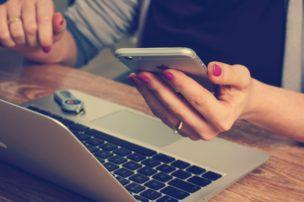 転職応募書類の証明写真作成アプリ