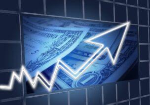 日経平均やNYダウ、為替相場を確認して、資産形成に役立てよう。